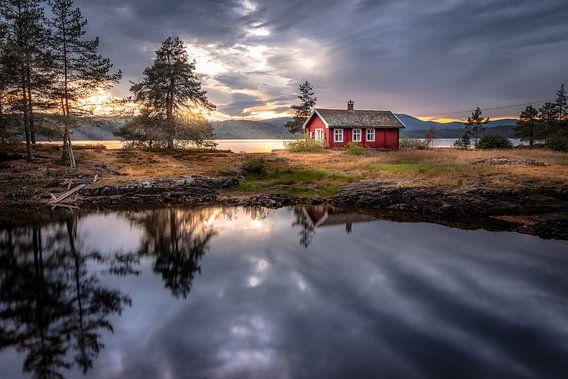 Noors Huisje bij Vaeleren, Noorwegen.