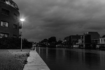 Een rustige avond aan de oevers van de Rijn van Leontine Mols