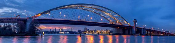 Brienenoordbrug en Skyline Rotterdam van Prachtig Rotterdam