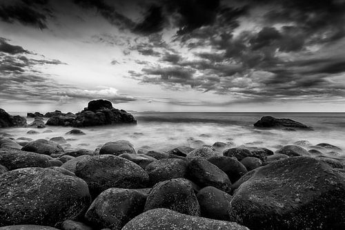 Madeira by Sea van Rob van der Teen