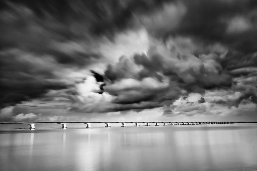 Lange sluitertijd Zeelandbrug (III) van Mirjam Boerhoop - Oudenaarden