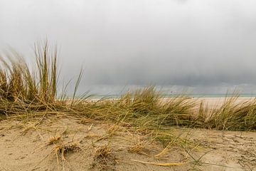 Duinen in de bewolking van Stedom Fotografie