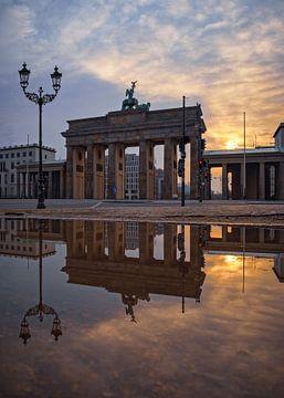 Brandenburger Tor - Sunrise von Bruce Girault