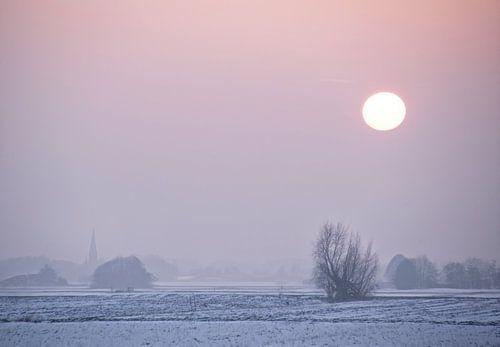 Winters landschap met ondergang zon van Marcel van Balken