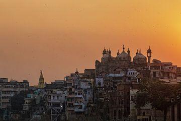 17e eeuw gebouwd door Aurangzeb over de ruïnes van een hindoetempel. Gebouwd aan de waterkant van de van Tjeerd Kruse