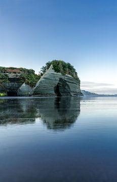 Zonsopkomst bij de voormalige Elephant rock Nieuw Zeeland van Niels Rurenga