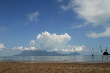 Landschap met Zuid Chinese zee von Anke Akkermans
