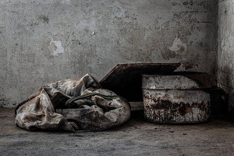 stilleven oude verlaten fabriek urbex van Martzen Fotografie