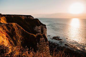 De kust van Frankrijk met zonsondergang van Lindy Schenk-Smit