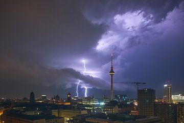 Storm in Berlin van Pierre Wolter