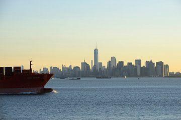 Manhattan skyline in de ochtend gezien vanaf Staten Island van Merijn van der Vliet