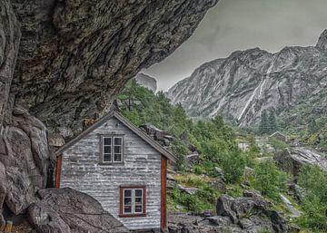 Helleren huisjes in Noorwegen von Karin Mooren
