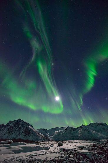 Poollicht of Noorderlicht in de nachthemel boven Noord-Noorw