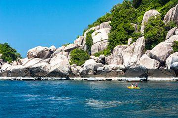 Zeekajakken langs de kust van Kho Tao van Koen Henderickx