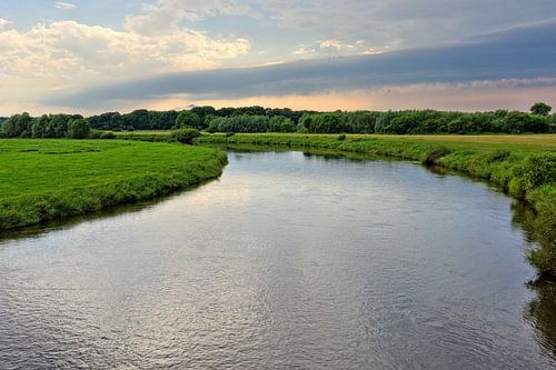 Upcoming Thunderstorm over the river Aller in Germany