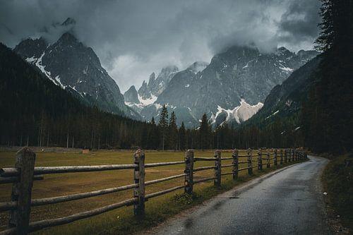 Dark mood in the Dolomites van