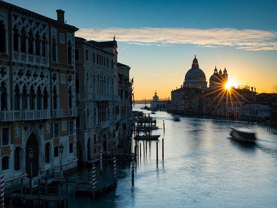 Sonnenaufgang an der Maria della Salute (Venedig)