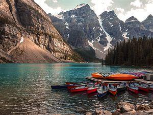Moraine Lake, Alberta, Canada van Koen Lipman