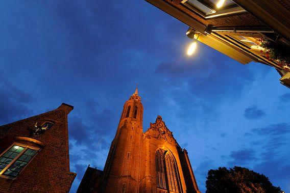 Kleine Vleeshal en de Catharijnekerk aan de Lange Nieuwstraat in Utrecht van Donker Utrecht
