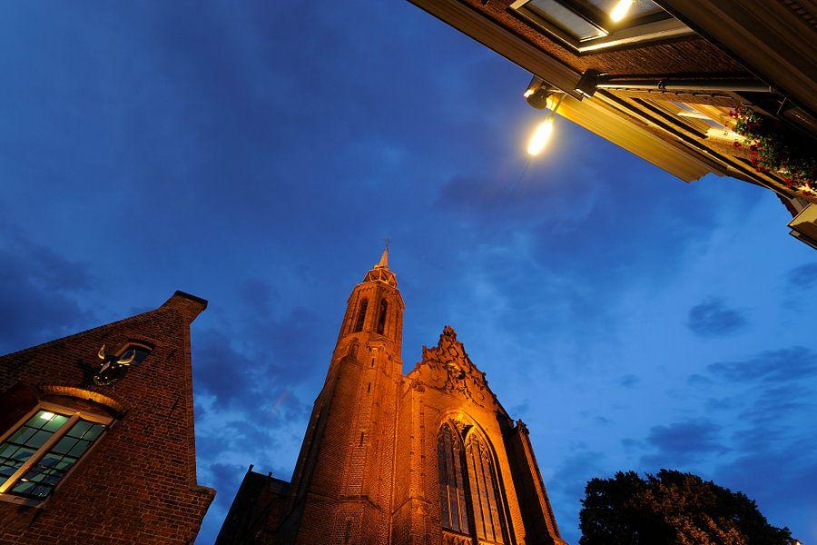 Kleine Vleeshal en de Catharijnekerk aan de Lange Nieuwstraat in Utrecht