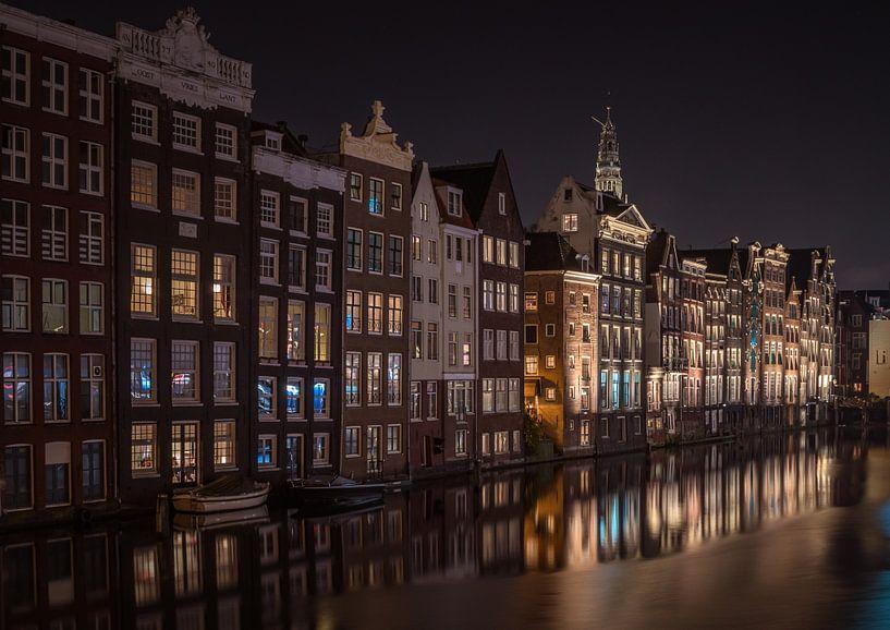 Amsterdam bij nacht van Tomasz Baranowski