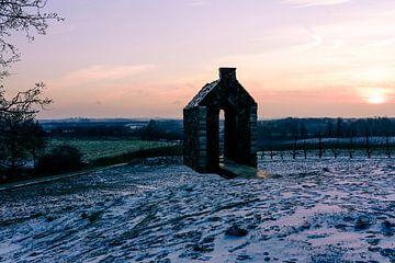 De zwevende kapel van Helshoven in de ochtend van Arne Pyferoen