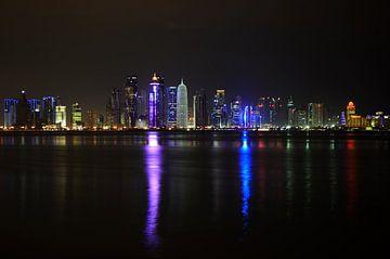 Doha, capitale du Qatar la nuit sur iPics Photography