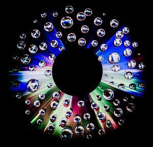 CD met waterdruppels - dark edge