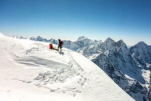 Op de top van Ama Dablam van