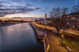 Skyline Deventer aan de IJssel bij zonsondergang