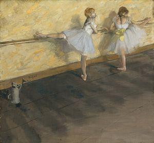 Dansers die bij de Staaf, Edgar Degas