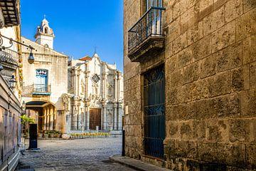 Kathedrale und Platz in Havanna, Kuba von Joke Van Eeghem