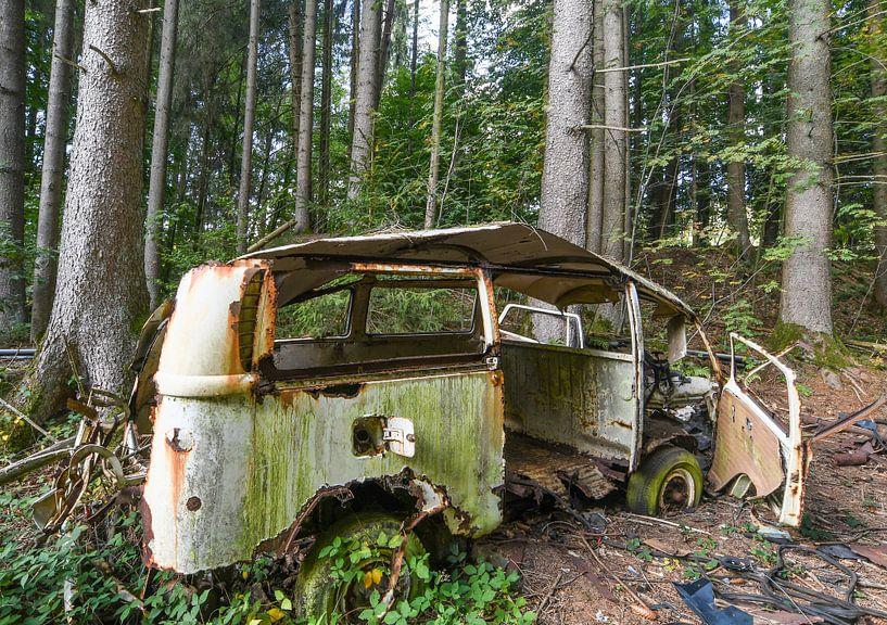 Ausgesetztes Auto 1 von Nancy Lamers