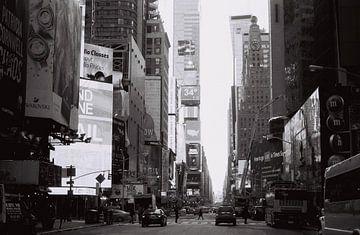 Times Square, New York, zwart wit (analoog) von Lisa Berkhuysen
