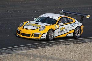 Gele Porsche 911 GT3 van Maurice de vries