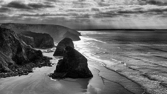Zwart wit van de Engelse kust van Marloes van Pareren