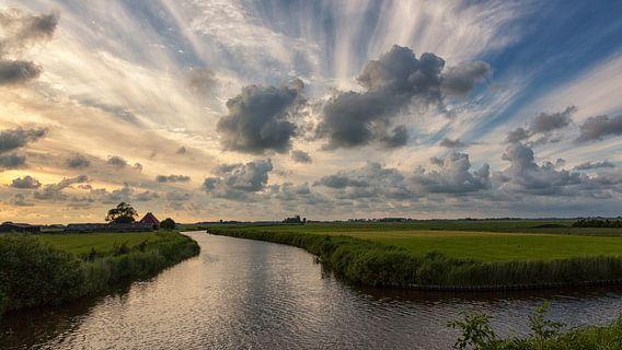 Regen op komst / Rain on the way van Bram van Broekhoven