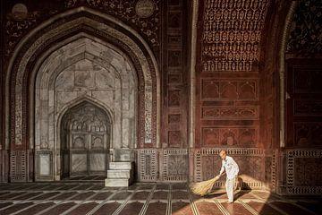 Détail des portes du Taj Mahal, Agra, Inde sur Tjeerd Kruse