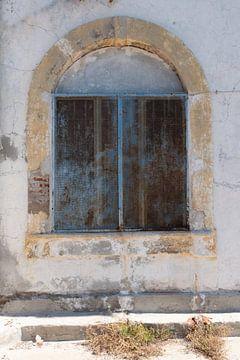 vintage raam met boog von Eline Oostingh