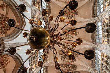 Kroonluchter grote kerk Breda van
