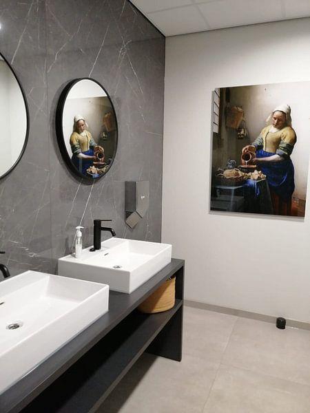Klantfoto: Het Melkmeisje - Vermeer Schilderij (HQ) van Schilderijen Nu, op acrylglas