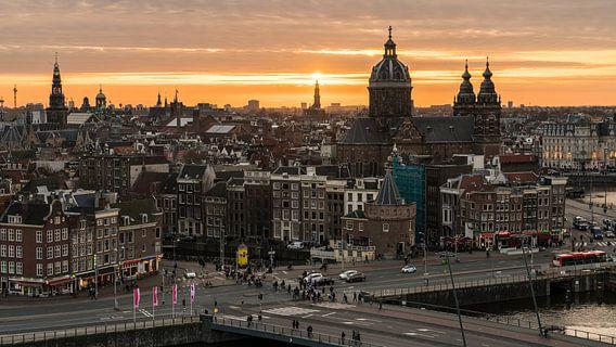 Sky High in Amsterdam van Scott McQuaide