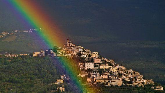Regenboog bij Trevi in Umbrië