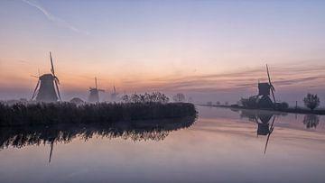 Zonsopkomst Kinderdijk van Cor de Bruijn