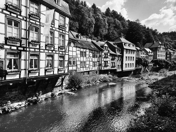 Monschau in der Eifel 7 schwarz-weiß