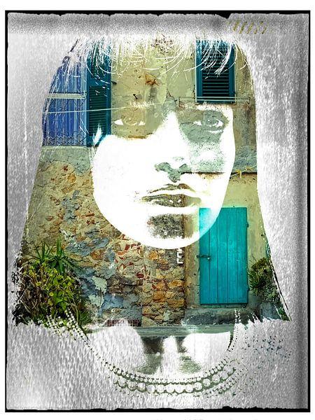The turquois door and the oriental woman van Gabi Hampe
