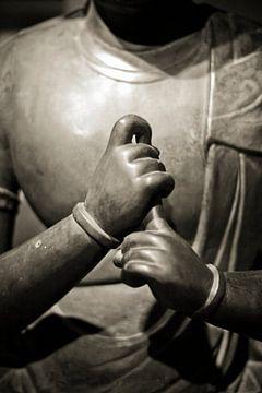 Handen van Buddha sepia meditatie van Rob van Keulen