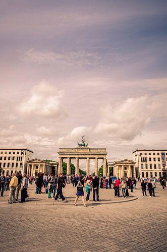 Toeristische drukte bij de Brandenburger Tor, Berlijn
