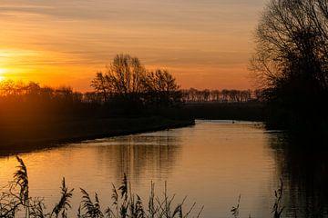 Sonnenuntergang am Bach von Willian Goedhart