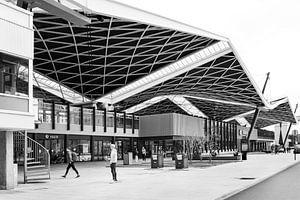 Der Bahnhof von Tilburg in schwarz-weiß - Architektur von Marianne van der Zee